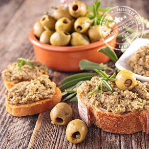 CMaison The spreadable Tapenade green olives, tomatoes and toasted almonds
